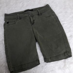 "Torrid Denim Khaki Shorts SZ 16 20"" 3 Button"